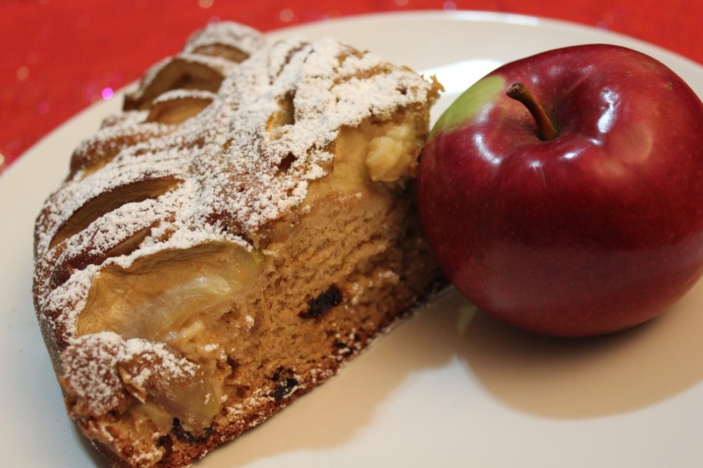 Quick and easy apple cake 006a